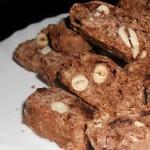 Biscotti cu ciocolată şi alune