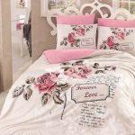 Lenjerii de pat de lux, romantice, clasice, rafinate sau jucăuşe